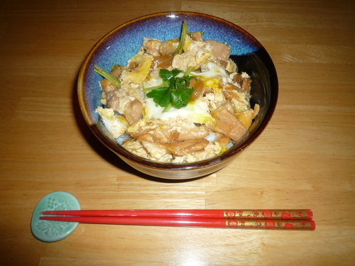 Oyakodon-with chopsticks