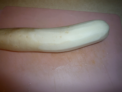 Lemon Daikon_peel the skin