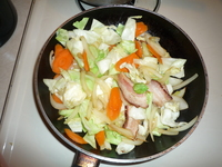 Yakisoba-add the carrots and cabbage